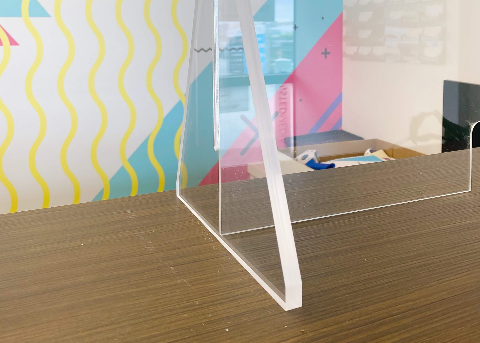 Sneeze guard acrylic protection shield- Acrylic stand4