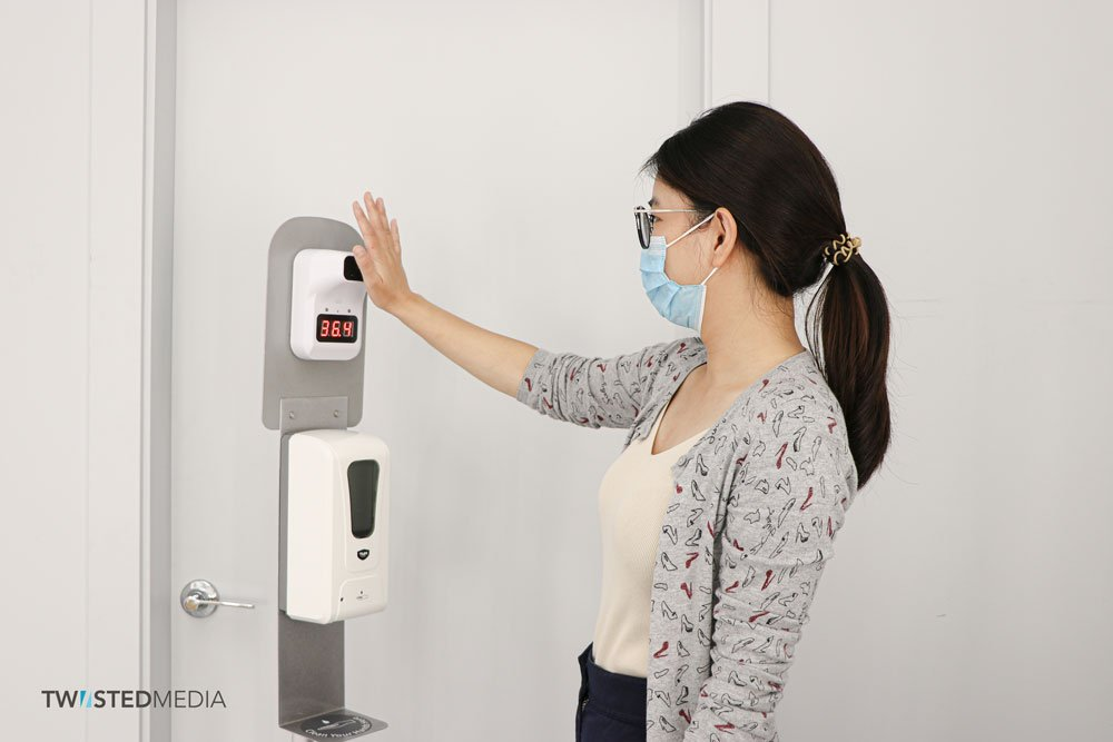 Thermometer-with-auto-hand-sanitizer-TwiistedMedia