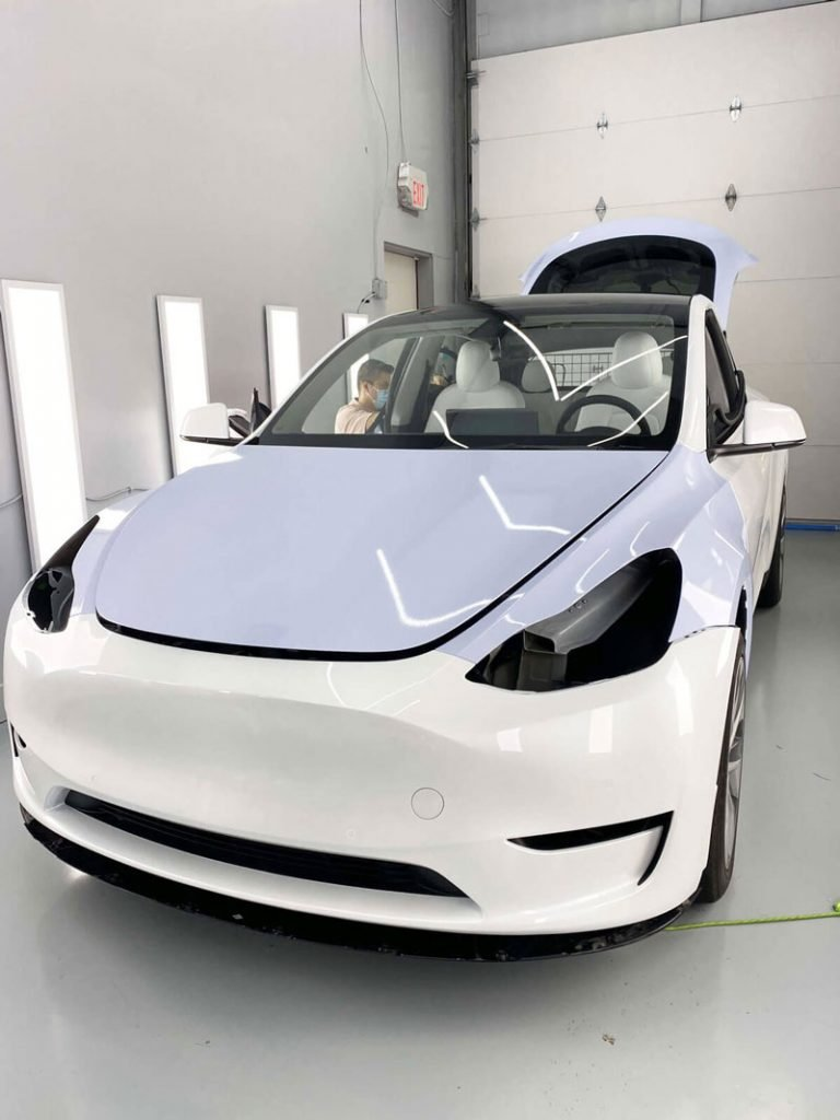 Tesla model y wrapping