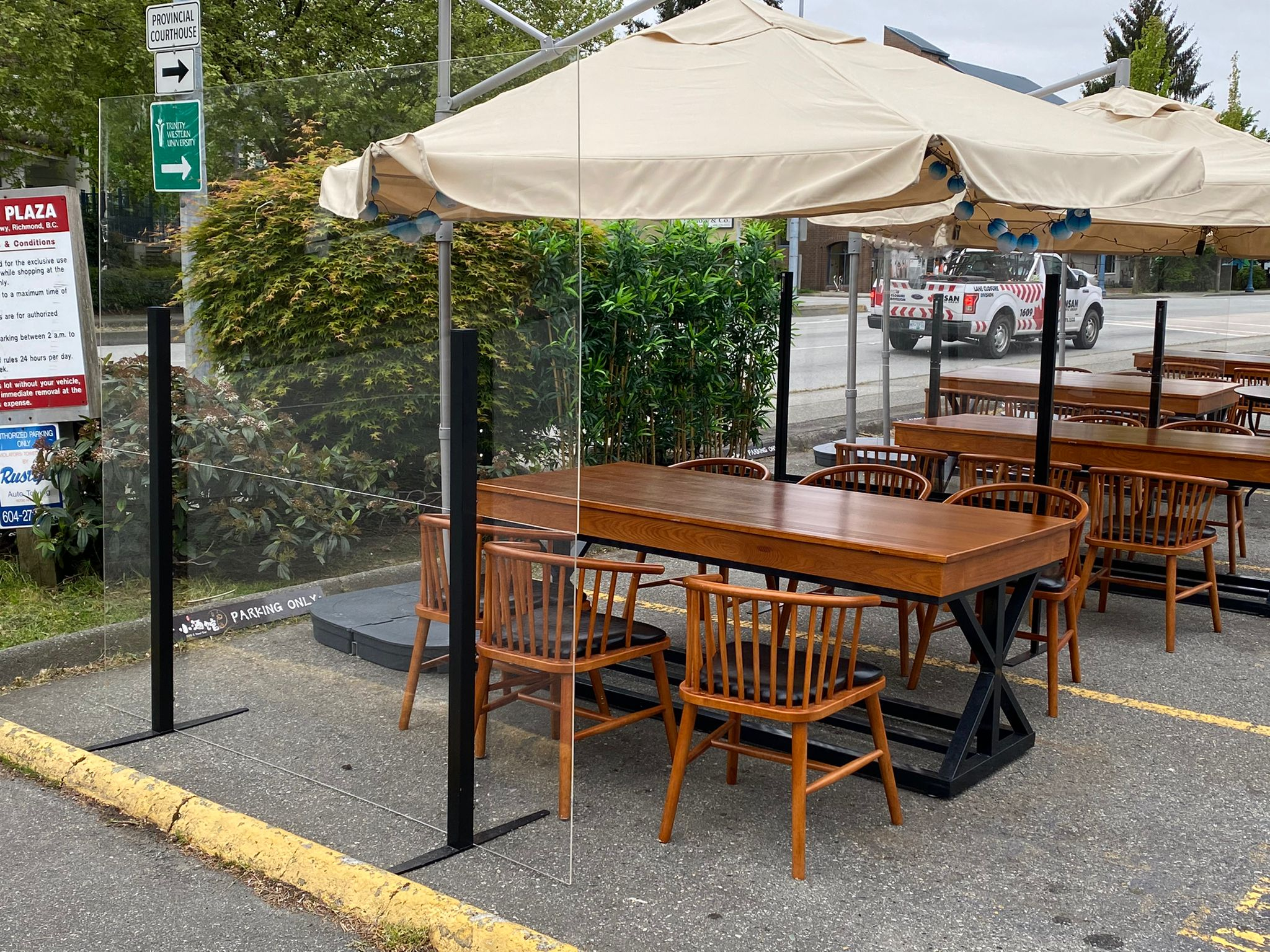 Patio_sneeze_guard_patio_divider7