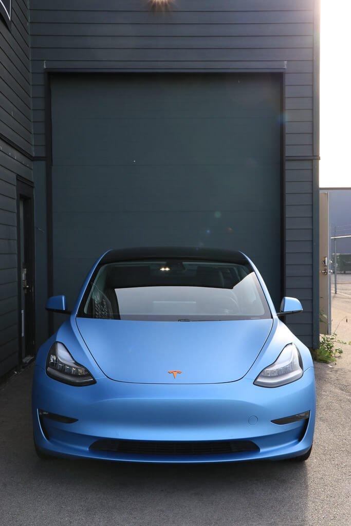 Tesla Model 3 - matte metallic frosty Blue