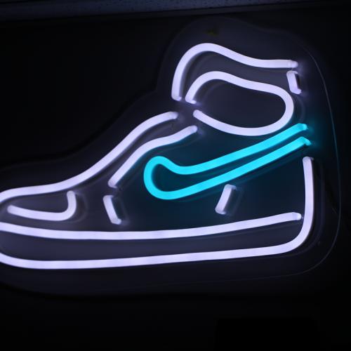 Neon-led-letters-twiistedmedia1